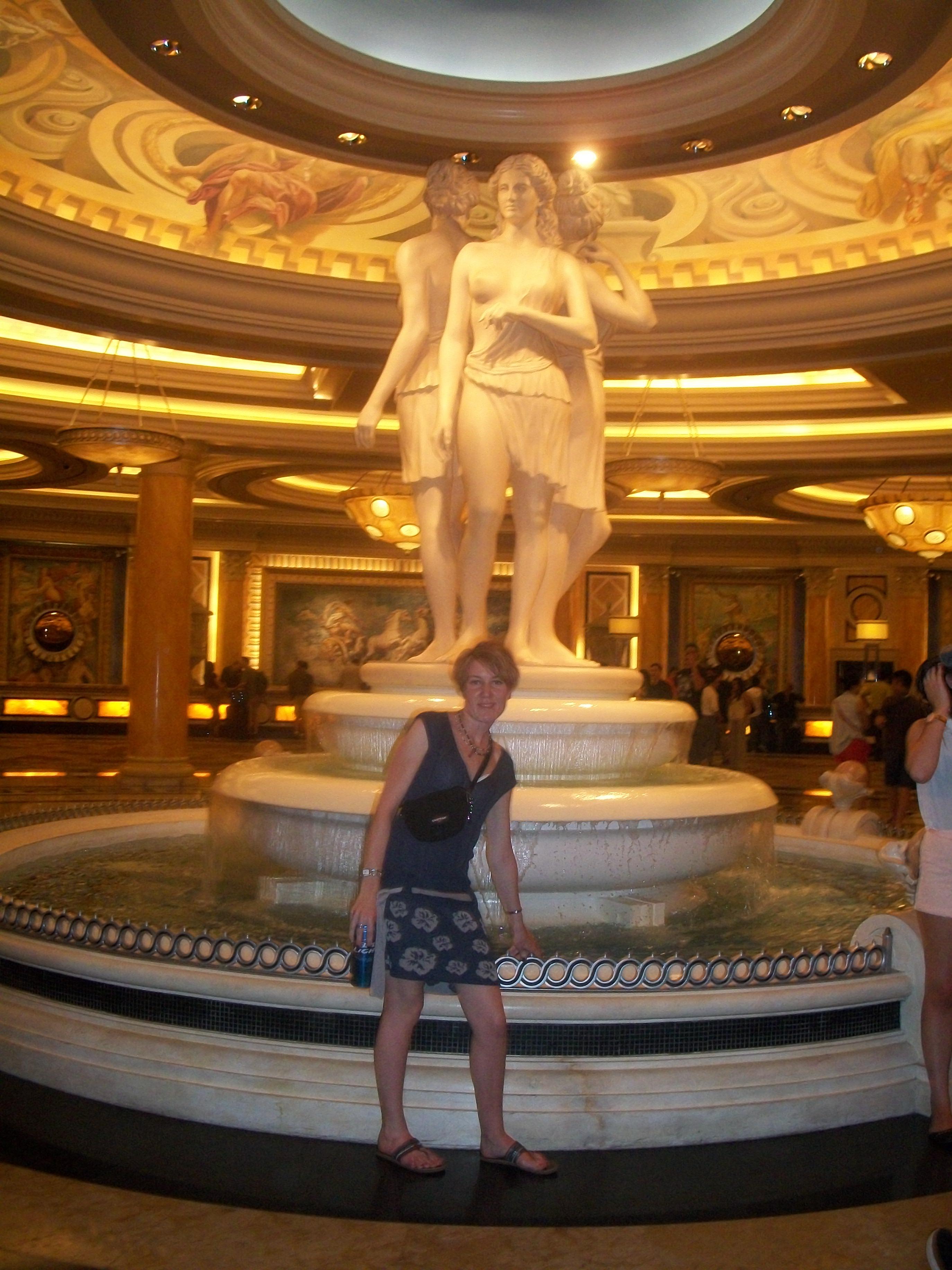 io-caesars-palace-hotel-las-vegas.j