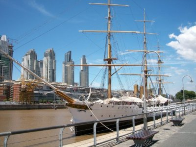 Puerto-Madero-Fragata-Sarmiento-Buenos-Aires