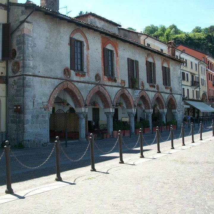 Arona-Piazza