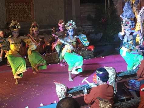 danza-balinese-ubud-palace-bali