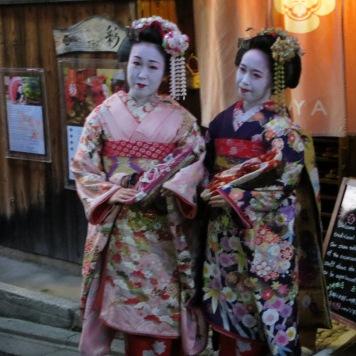 modelle-geisha-abiti-tradizionale-kyoto