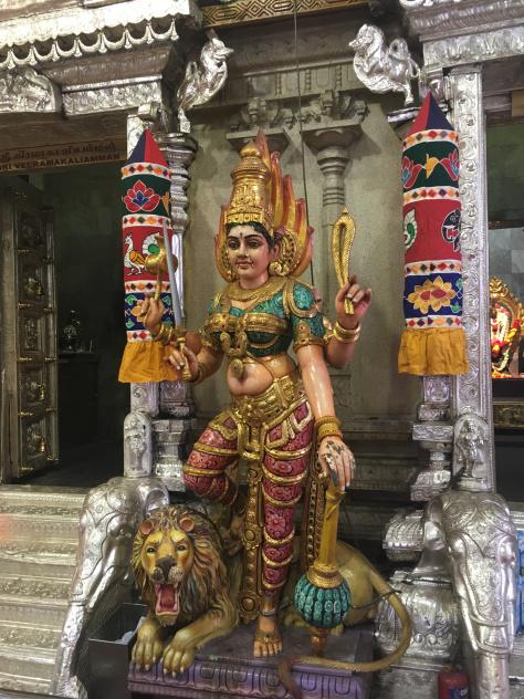 sri-veeramakaliamman-temple-statua-singapore