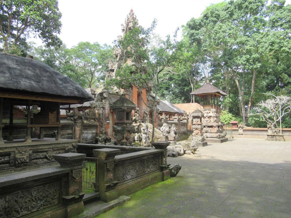 Tempio-foresta.JPG