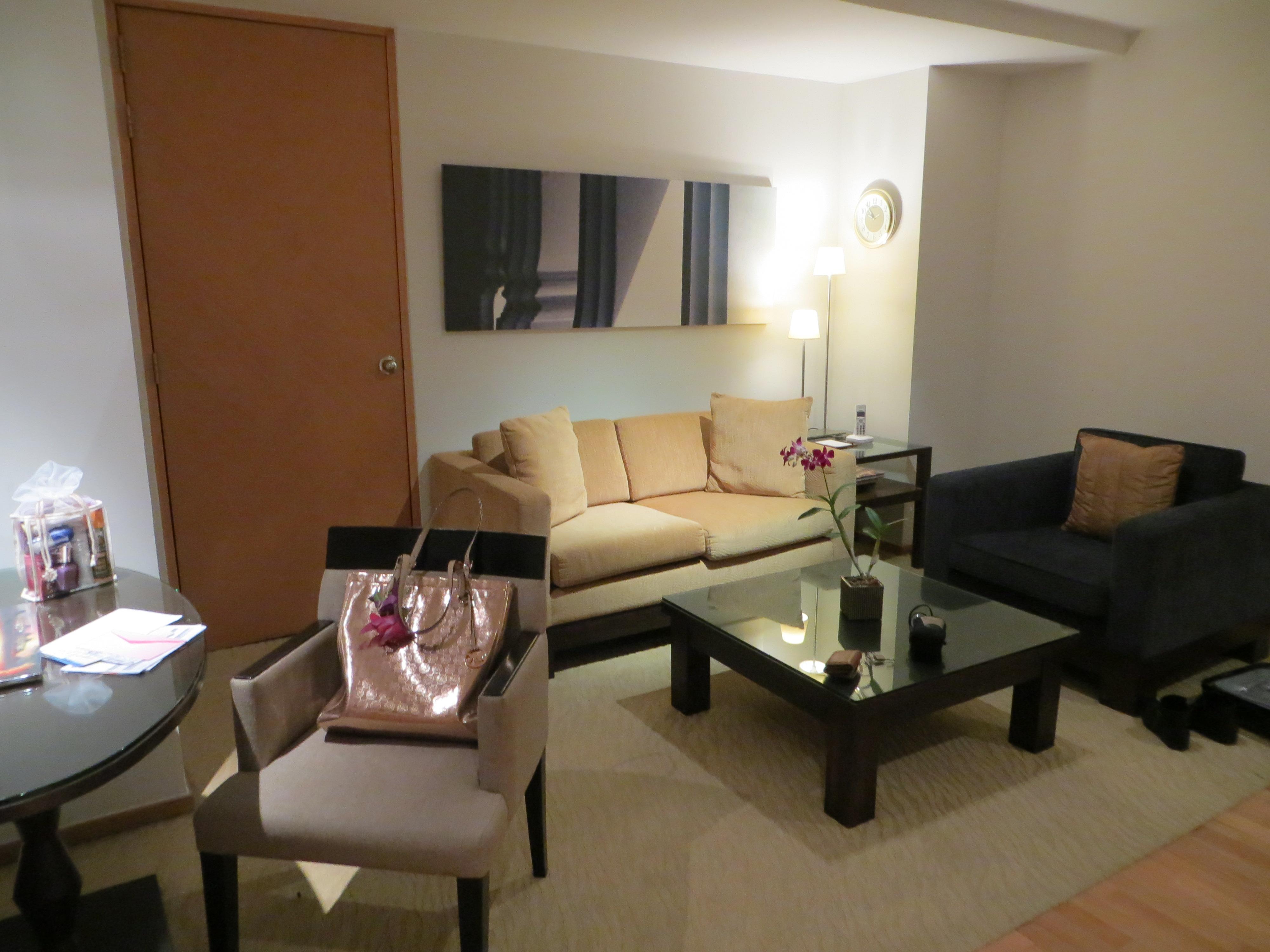 Living-room-tower-club