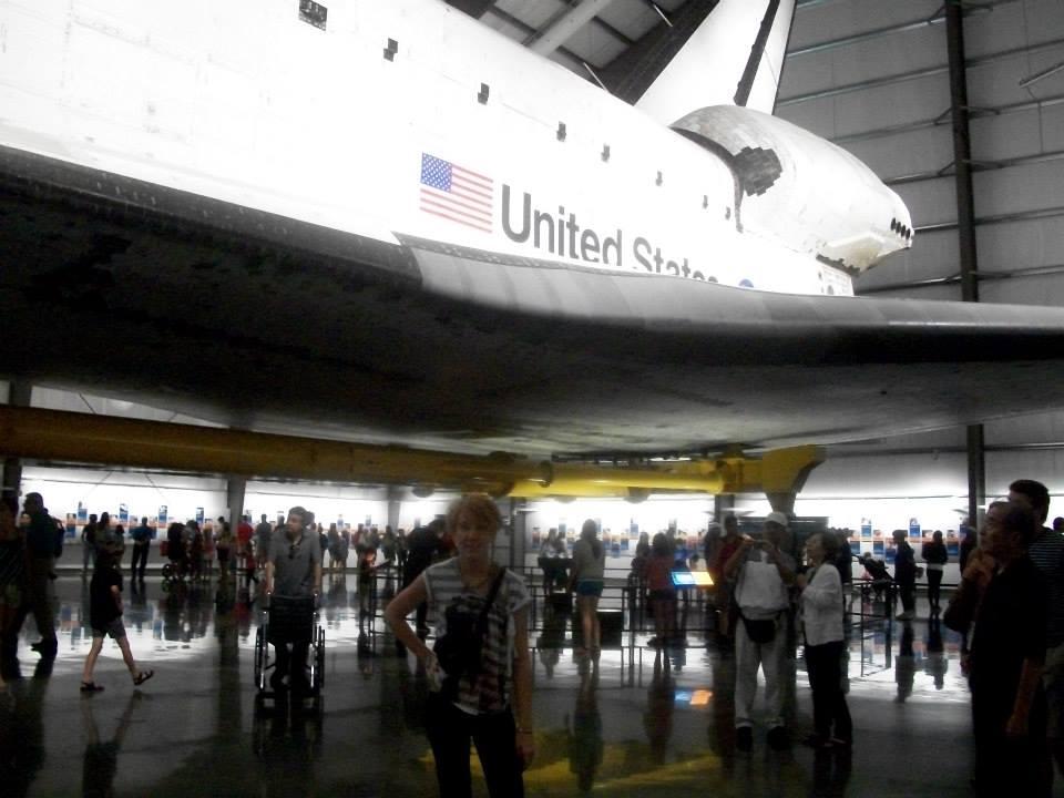 Space-shuttle-endeavour-LA