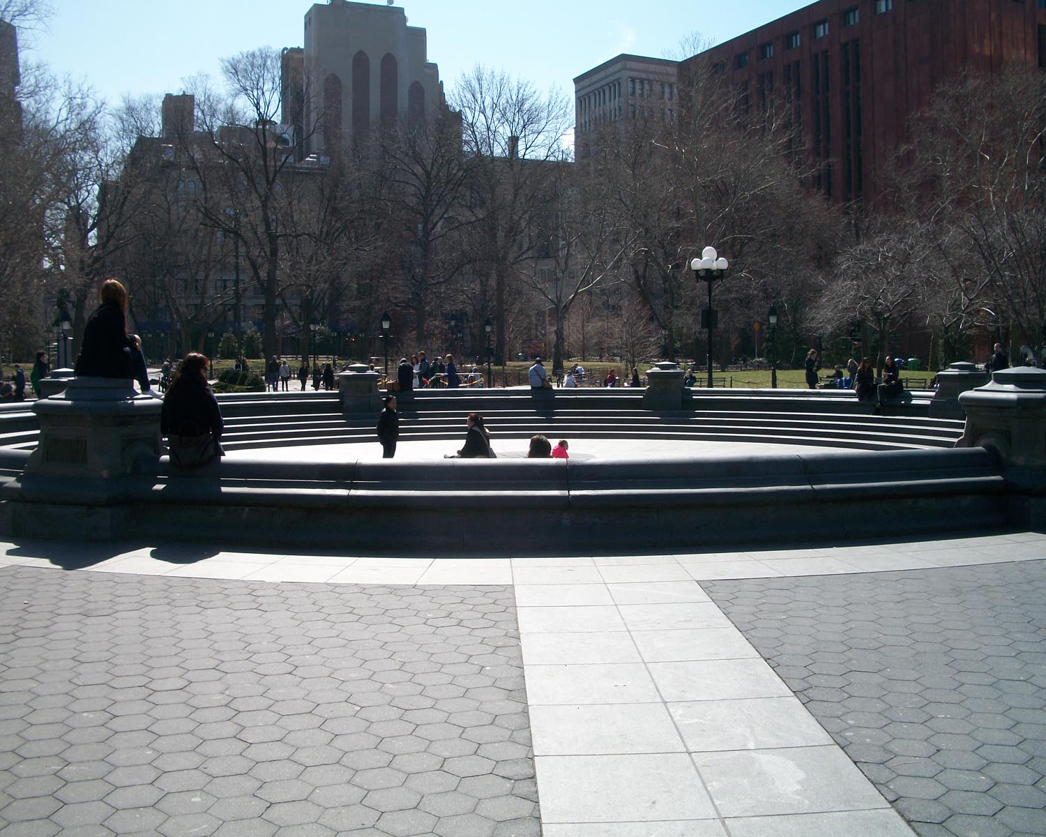 washington-square-fountain